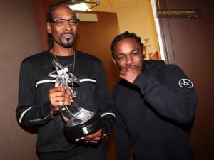 ATLANTA, GA - SEPTEMBER 17:  Snoop Dogg and Kendrick Lamar attend the BET Hip Hop Awards 2016 at Cobb Energy Performing Arts Center on September 17, 2016 in Atlanta, Georgia.  (Photo by Johnny Nunez/BET/Getty Images for BET)